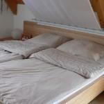 schlafen feng shui entdecken. Black Bedroom Furniture Sets. Home Design Ideas